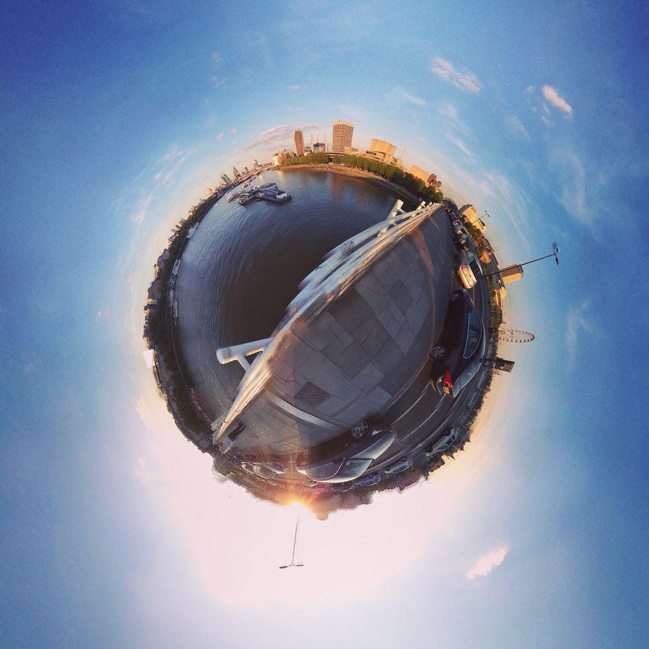 A global view from Waterloo Bridge